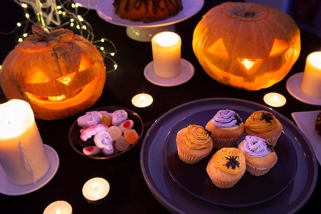 Wysoki Kąt Słodkiej Koncepcji Halloween Premium Zdjęcia