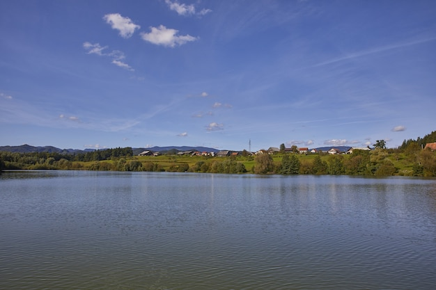 Wysoki Kąt Strzału Jeziora Smartinsko, Gmina Celje, Region Savinjska, Słowenia Darmowe Zdjęcia