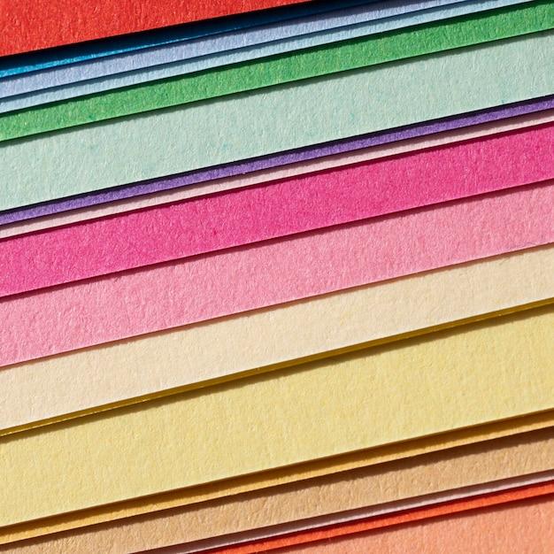 Wysoki Widok Warstw Kolorowych Papierów Darmowe Zdjęcia
