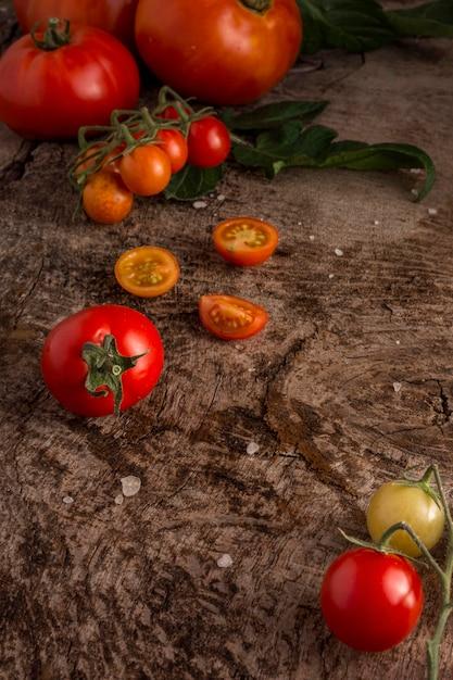 Wysokie, Pyszne, świeże Pomidory Darmowe Zdjęcia