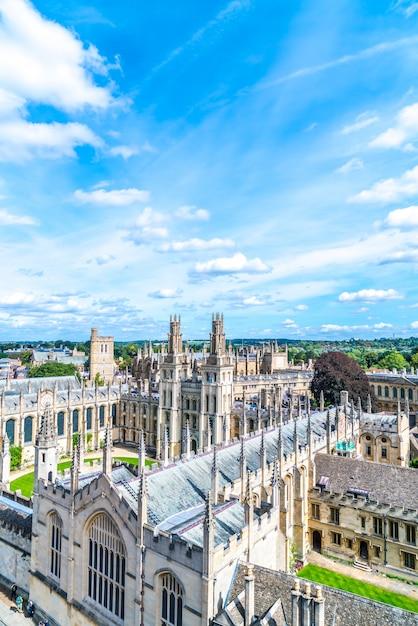 Wysokiego Kąta Widok Głowna Ulica Oxford Miasto, Uk Premium Zdjęcia