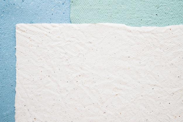 Wysokiego kąta widok kolorowy papieru tło Darmowe Zdjęcia