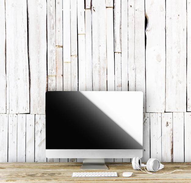 Wyświetlacz Komputera Do Makiety We Wnętrzu Biurowym. Premium Zdjęcia