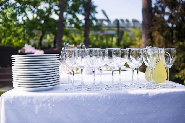Wyżywienie jest na zewnątrz podczas imprezy Premium Zdjęcia