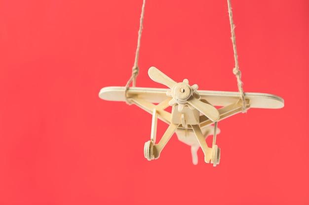 Zabawkarski Samolot Z Bliska Premium Zdjęcia