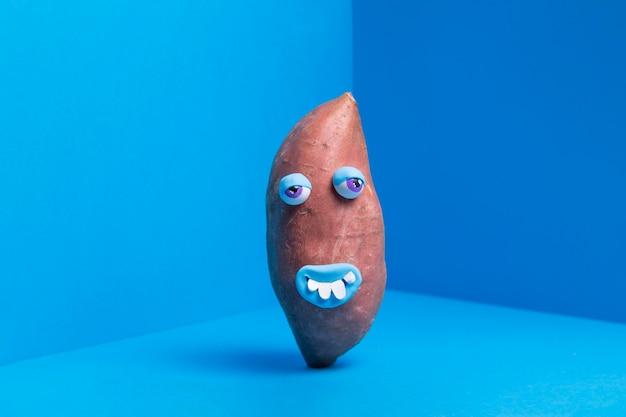 Zabawny Ziemniak Z Uroczą Naklejką Darmowe Zdjęcia