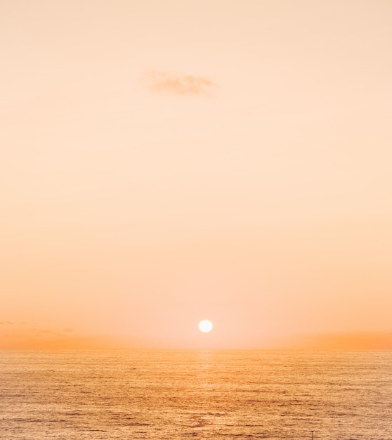 Zachód Słońca Nad Oceanem Darmowe Zdjęcia