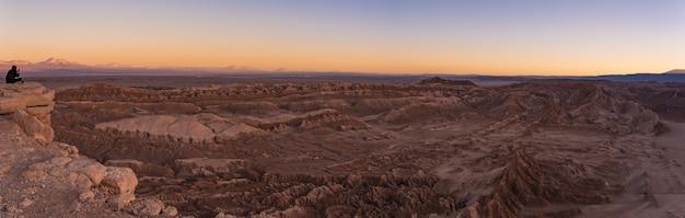 Zachód Słońca W Moon Valley W Chile Premium Zdjęcia