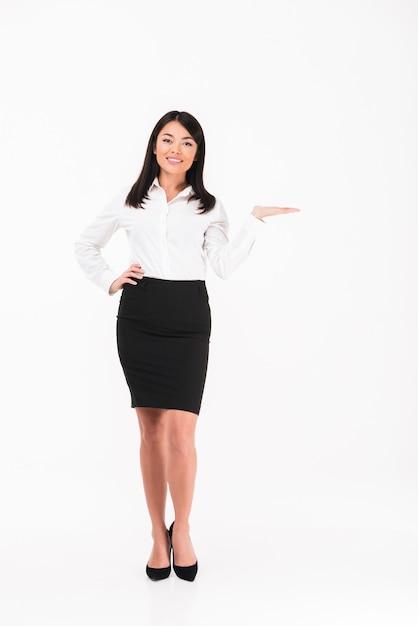 Zadowolony Azjatycki Bizneswoman Darmowe Zdjęcia
