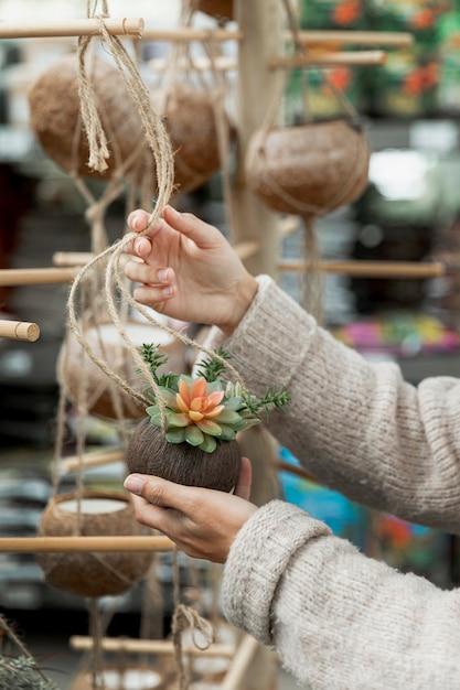 Zakończenie Kobiety Ułożenia Kwiatu Rynek Darmowe Zdjęcia