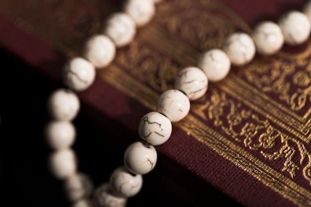 Zakończenie Koran Na Stole Darmowe Zdjęcia