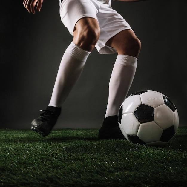 Zakończenie sportowa kopania piłka Darmowe Zdjęcia