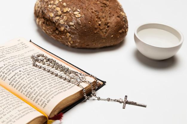 Zakończenie święta księga z chlebem i wodą Darmowe Zdjęcia