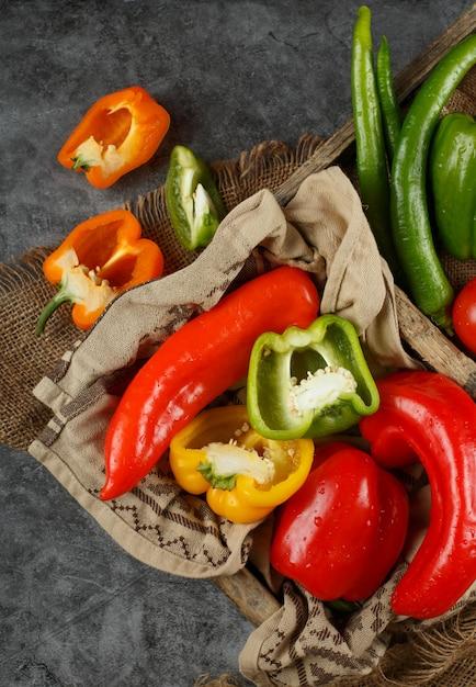 Zakończenie Up Mieszani Warzywa Na Stole Darmowe Zdjęcia