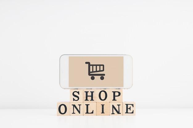 Zakupy Online, Zakupy Z Domu I Koncepcja Dostawy Do Domu. Premium Zdjęcia