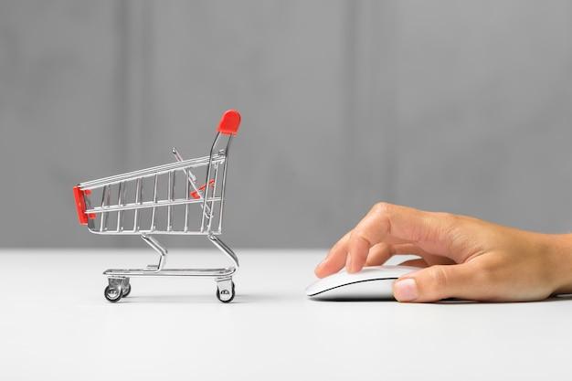 Zakupy online Premium Zdjęcia