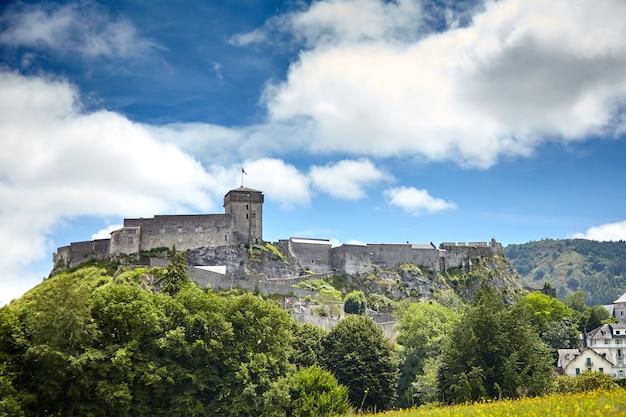 Zamek Fort Of Lourdes We Francji Premium Zdjęcia