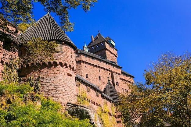 Zamek Haut-koenigsbourg, Imponująca średniowieczna Twierdza We Francji (alzacja, Strasburg) Premium Zdjęcia