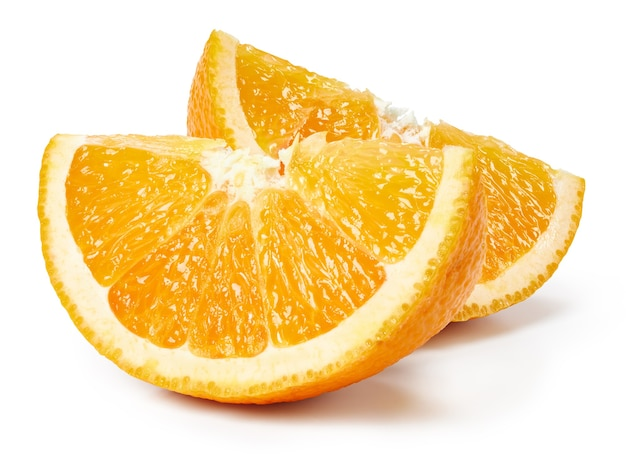 Zamknij Się Na Pół Dojrzałych Pomarańczowych Owoców Na Białym Tle Premium Zdjęcia
