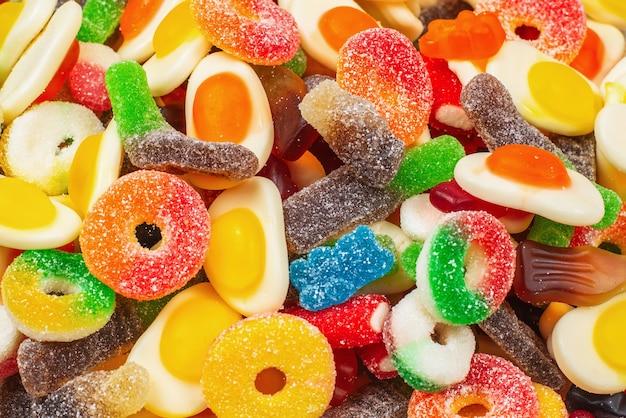Zamknij Się Na Wzór Różnych Gummy Cukierki Premium Zdjęcia