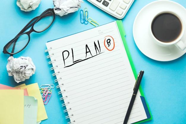 Zaplanuj B Tekst Napisany Na Notatniku Premium Zdjęcia