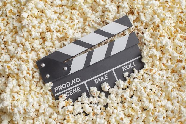 Zarząd klapy filmu w popcorn Premium Zdjęcia