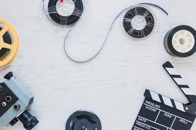Zasoby filmowe i strzyżenia na stole Darmowe Zdjęcia