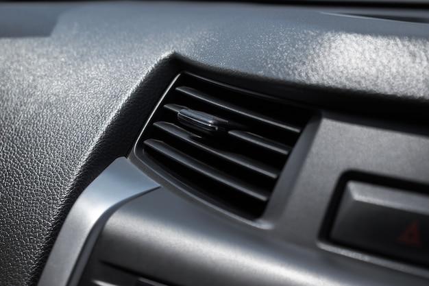 Zbliżenie, klimatyzacja w samochodzie. Premium Zdjęcia