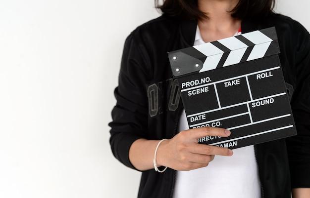Zbliżenie Kobieta Wręcza Trzymać Ekranowego Clapper Premium Zdjęcia