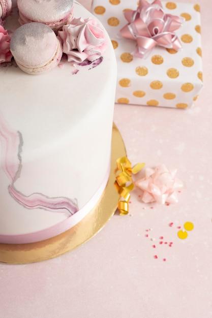 Zbliżenie Pyszny Tort Urodzinowy Premium Zdjęcia