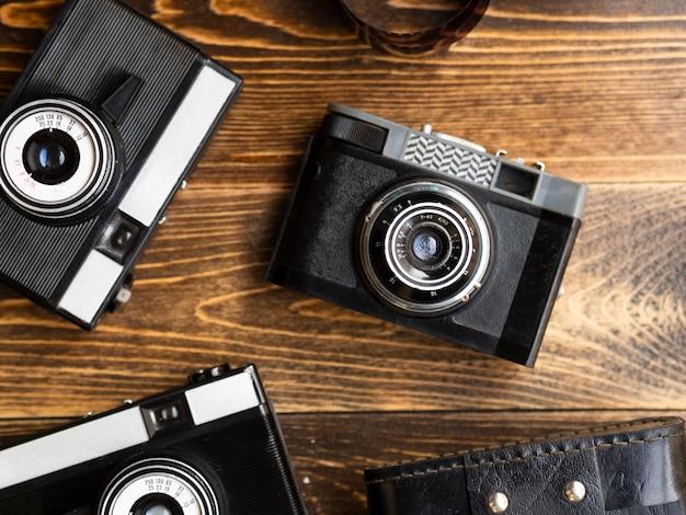 Zbliżenie Wielu Retro Aparatów Fotograficznych Darmowe Zdjęcia