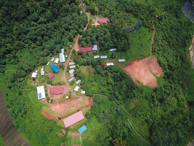 Zdjęcia Lotnicze Mała Wioska W Dżungli W Chiang Mai Premium Zdjęcia