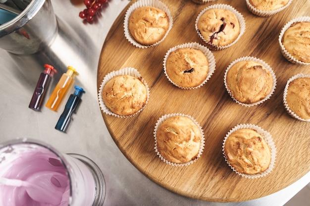 Zdjęcie Ciasta Sweeties W Kuchni Premium Zdjęcia