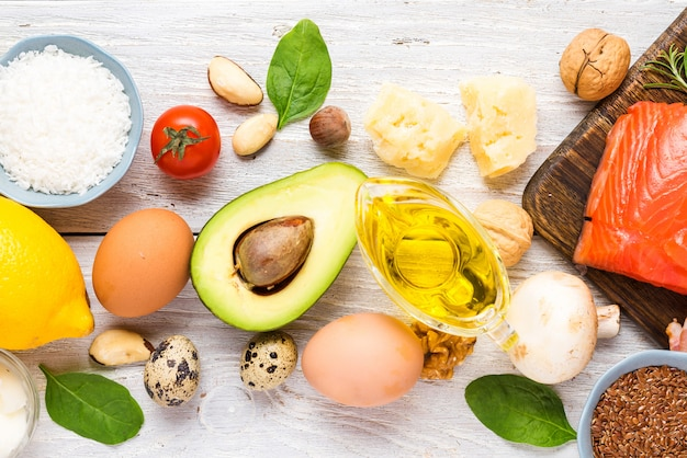 Zdrowa żywność Nisko Węglowodanowa Dieta Ketonowa. Wysokie Omega 3, Dobre Produkty Tłuszczowe I Białkowe Premium Zdjęcia