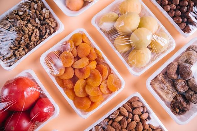 Zdrowe produkty w plastikowych pojemnikach Darmowe Zdjęcia