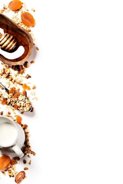 Zdrowe śniadanie - Domowa Muesli, Miodu I Mleka Premium Zdjęcia