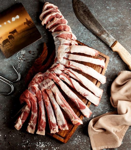 Żeberka świeżego Mięsa Na Desce Darmowe Zdjęcia