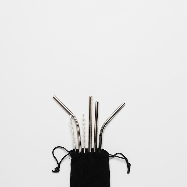 Zestaw metalowych słomek z miejsca kopiowania Darmowe Zdjęcia