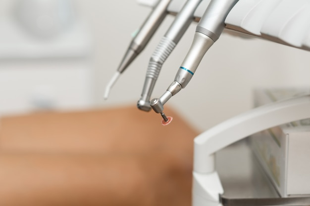 Zestaw narzędzi i wiertarka dental airsoft Premium Zdjęcia