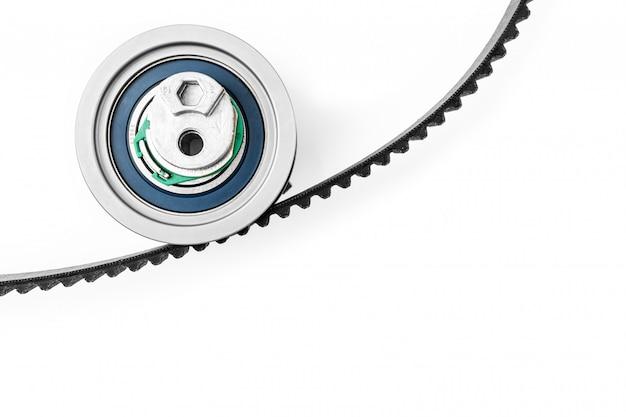 Zestaw Paska Rozrządu Z Rolkami Na Białym Odosobnionym. Części Samochodowe Premium Zdjęcia