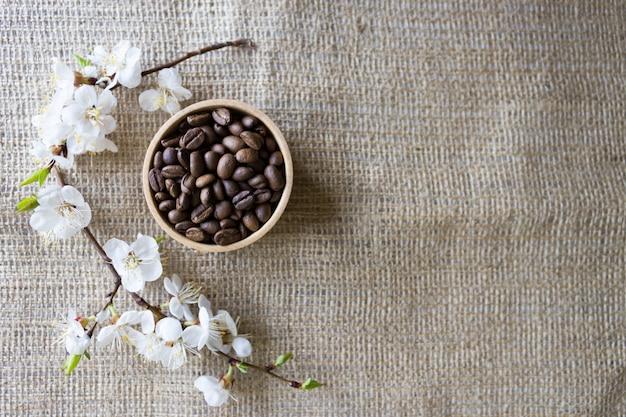 Ziarna kawy o aromacie wiśni, naturalna kawa Premium Zdjęcia