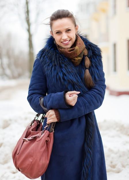 Zima Portret Kobiety W Zimie Miasta Darmowe Zdjęcia