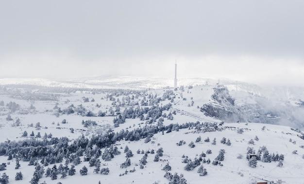 Zimowy Krajobraz, Góry Pokryte śniegiem. Premium Zdjęcia