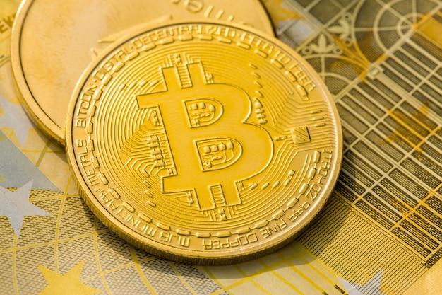 Złote Monety Kryptowalutowe Premium Zdjęcia
