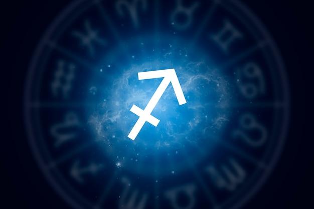 Znak Zodiaku Strzelec Na Tle Gwiaździstego Nieba Premium Zdjęcia