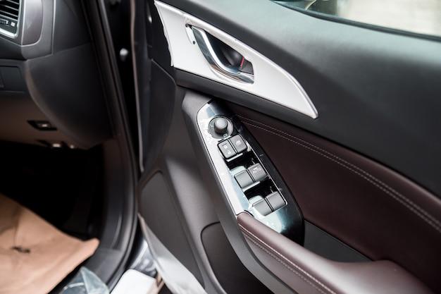 Zobacz Wnętrze Miejskiego Samochodu Miejskiego Premium Zdjęcia