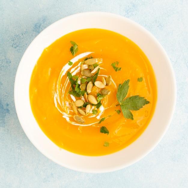 Żółta kremowa zupa z nasionami Darmowe Zdjęcia