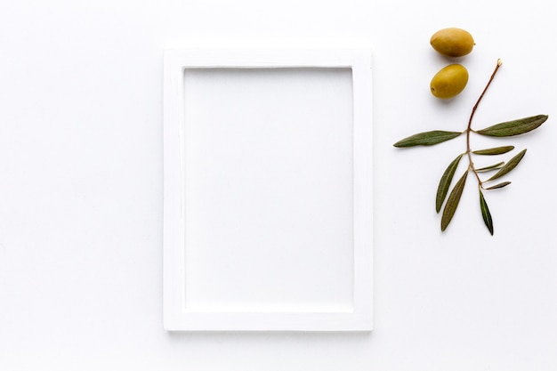 Żółte Oliwki Z Makietą W Ramce Darmowe Zdjęcia