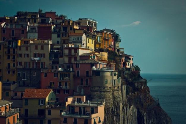 Acantilado de casas descargar fotos gratis for Foto casa gratis