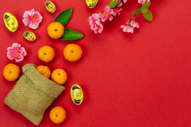 Accesorios en vacaciones de año nuevo lunar y año nuevo chino. Foto Premium